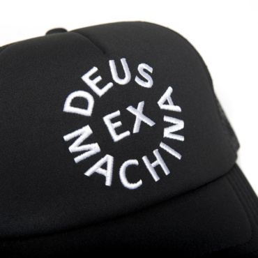 deus circle logo trucker black white