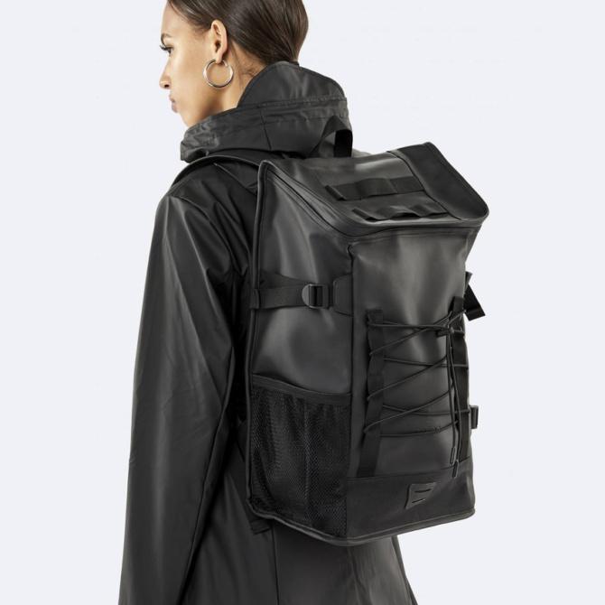 rains mountaineer bag black
